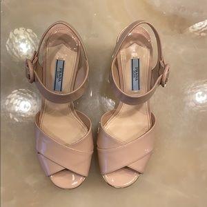 Prada platform sandals nude / cipria